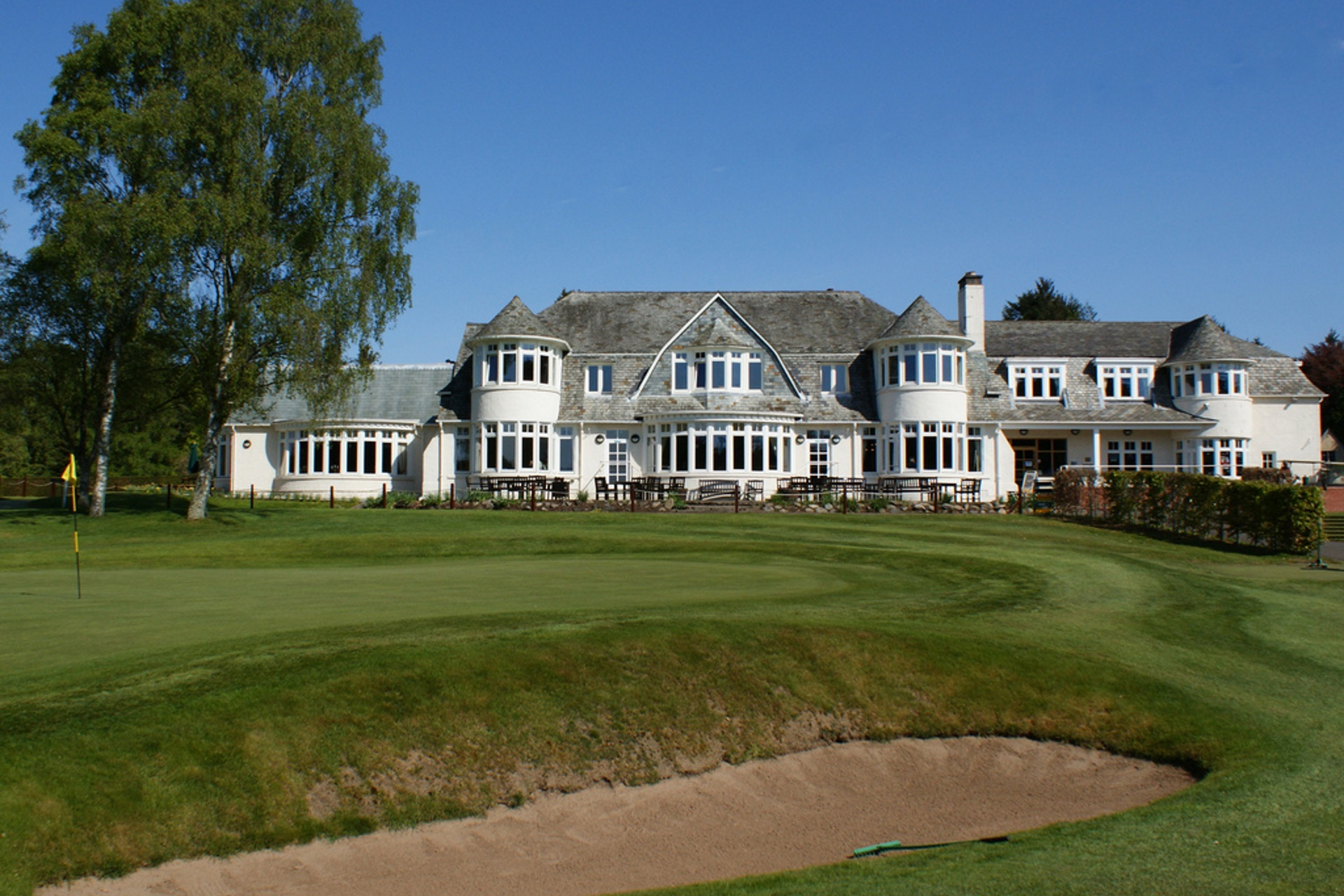 18th Green & Clubhouse